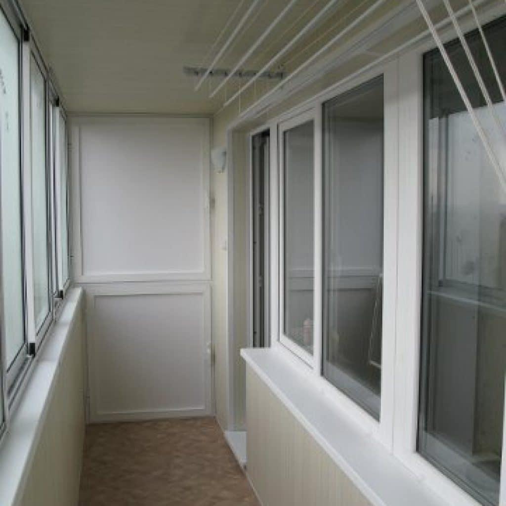 Внутренняя отделка балконов.