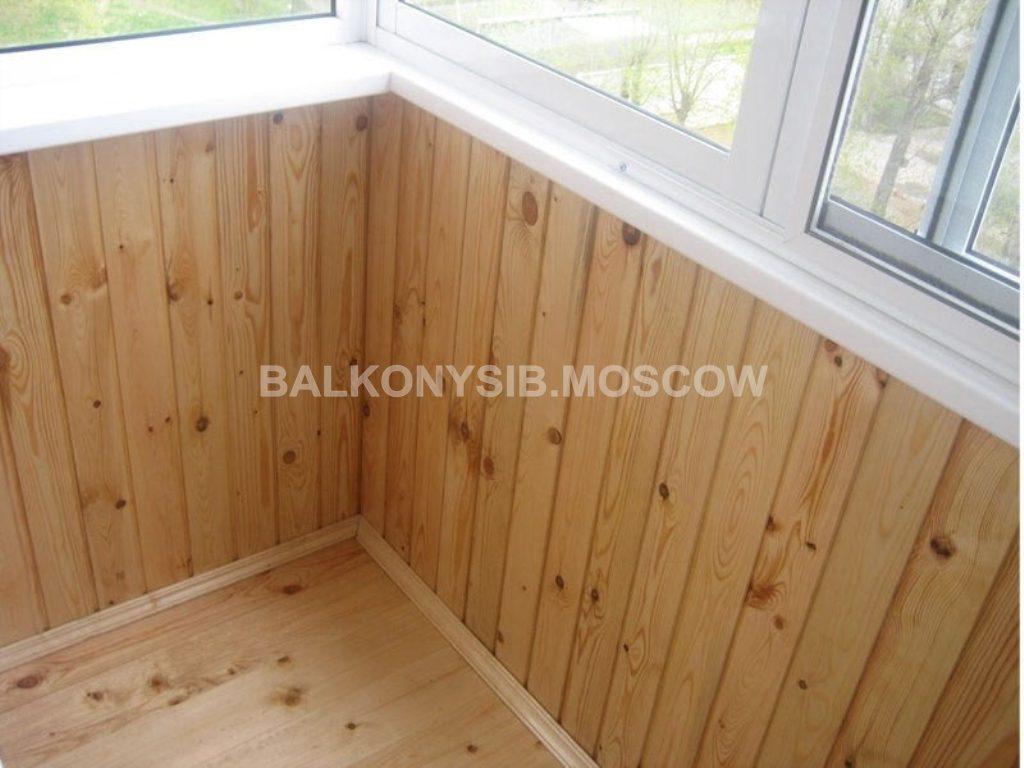 Обшивка балконов вагонкой, цена 300 руб. - отделочные работы.