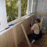 Как делать ремонт балкона